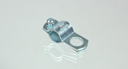 Threaded TeeJet nozzle body clamp for 1/2 inch pipe, AA11112